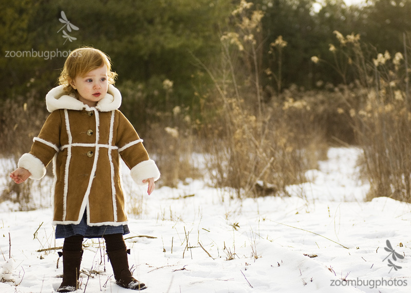 toddlerGirl_snow